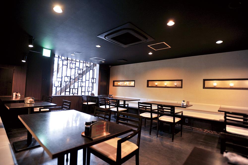 中国料理LOTUS DINING 内観
