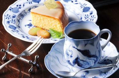 アダチのコーヒーとケーキ