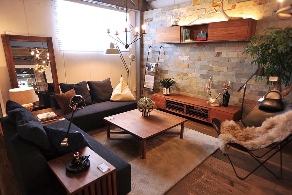 イーチの家具が並ぶスペース