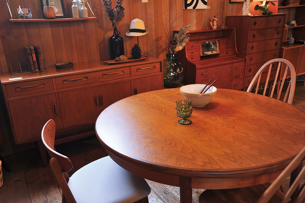 イーチの家具