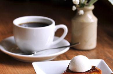 ジークフリーダのケーキとコーヒー