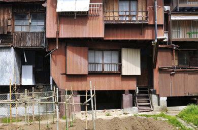 茶色の建物