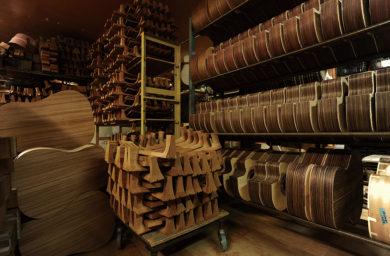 ヤイリギターのギター保存庫