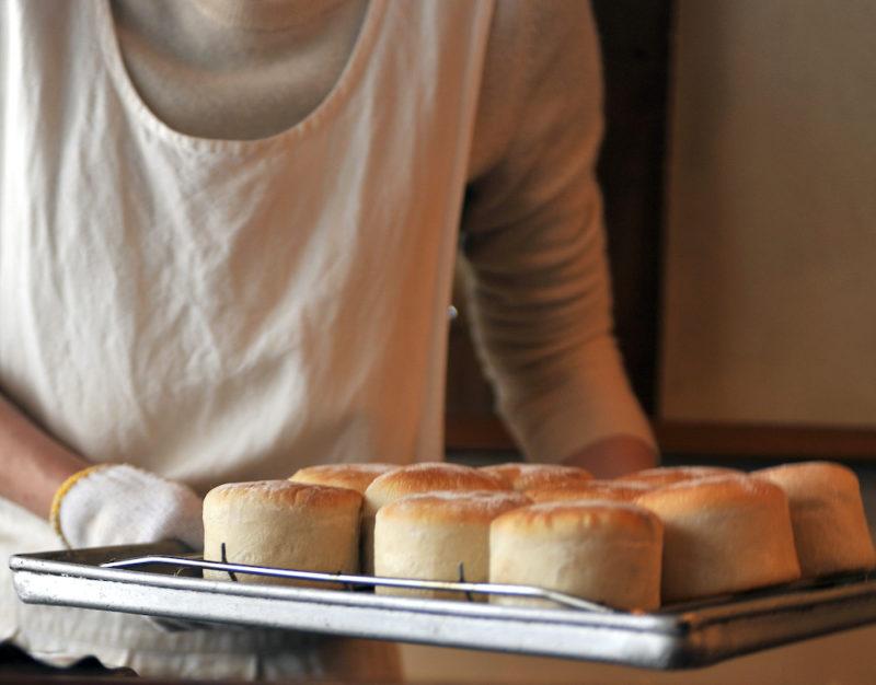 円居焼きたてのパン