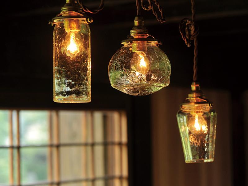 ガラス作家安土草多さんの照明
