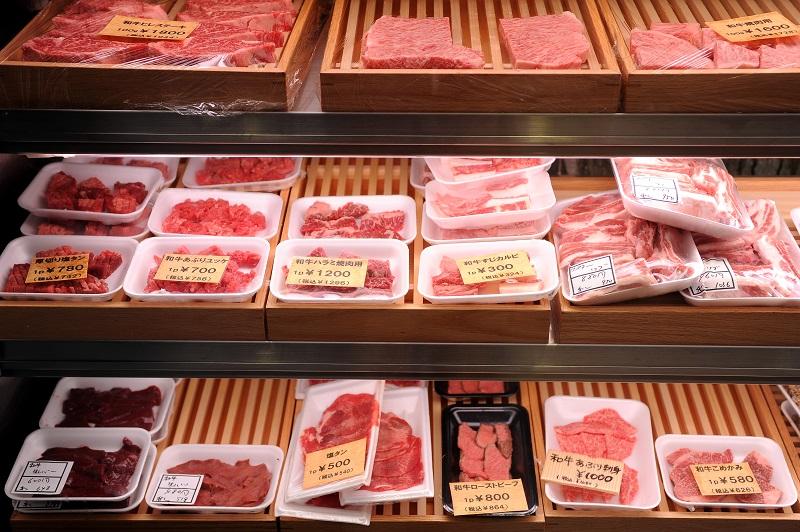 横山精肉店ショーケース