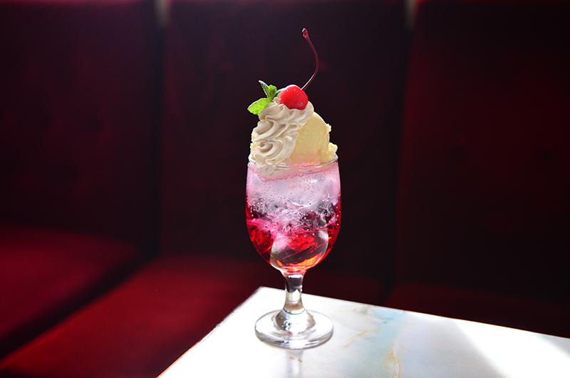 カフェドラサールのクリームソーダ
