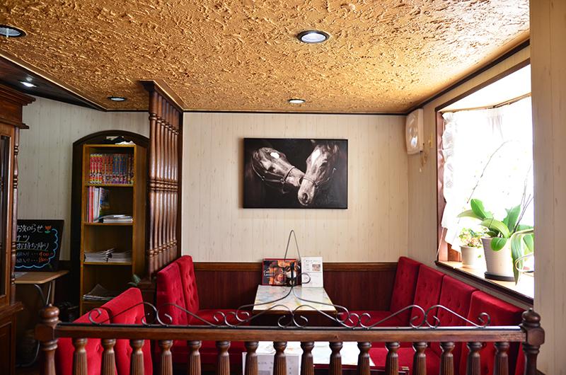 カフェドラサールのソファ席